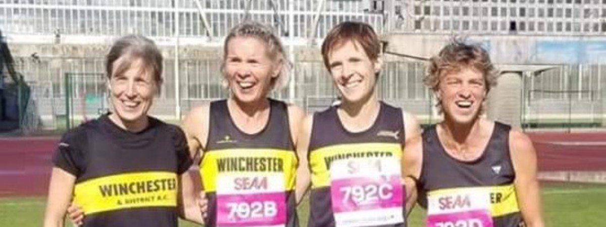 Road Relays 2018 Winning Ladies Vets Group 2